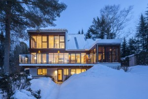 Cabin-Covered-by-the-Snow-Vacation-Rental